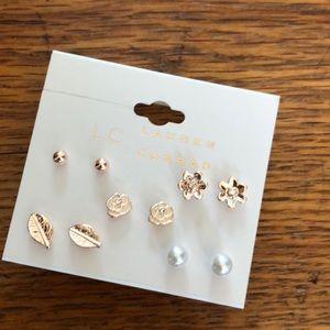 Simple and cute earrings